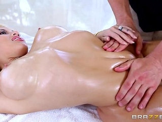 Charming Lady Gets A Kinky Massage