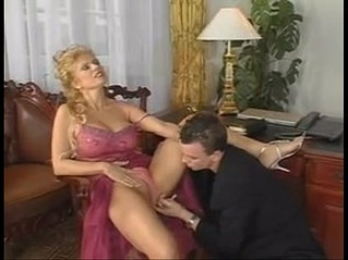 milfsonly.blogspot.com-Hot Milf gets fucked